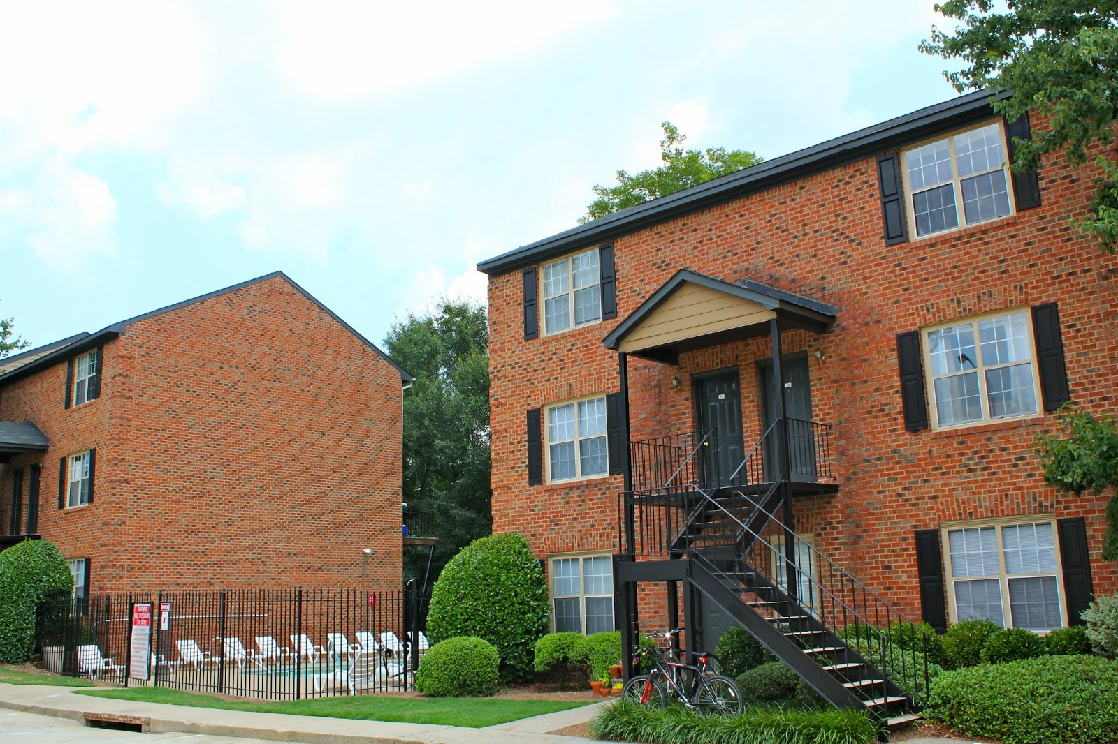 Waterford Place Condominiums